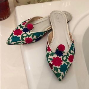 J crew adorable Spring slides!